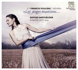 Accompagnée du pianiste Eugene Asti, Sophie Karthäuser chante Poulenc