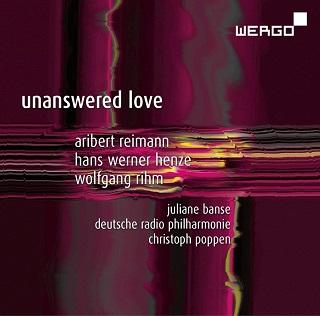 Accompagnée par l'orchestre, Juliane Banse chante Henze, Reimann et Rihm