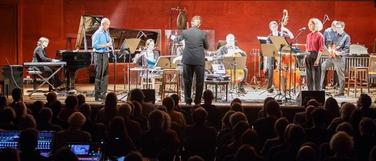 Joseph Trafton dirige PHACE au festival Wien Modern, à la Konzerthaus de Vienne