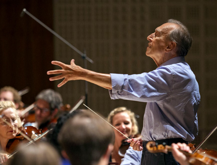Claudio Abbado en répétition à Lucerne (photo Priska Ketterer, août 2013)