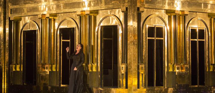 Sondra Radvanovsky, rôle-titre d'Aida, dirigée par Olivier Py à Paris