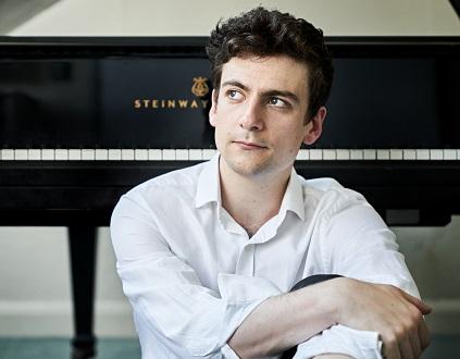 Alexander Ullman joue le Deuxième Concerto de Liszt à Lille Piano(s) Festival