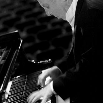 Daniel Barenboim joue Bach au Théâtre du Châtelet (Paris)