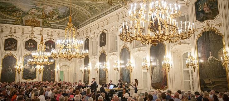 Le contre-ténor Valer-Barna-Sabadus chante à l'Hofburg d'Innsbruck