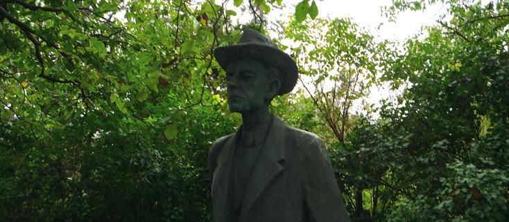 statue de Béla Bartók par Imre Varga (1977), photo Bertrand Bolognesi (2011)