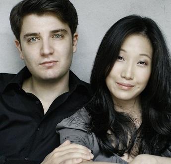 Les pianistes Alessio Bax et Lucille Chung jouent Debussy, Mozart et Schubert