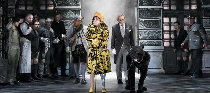 """Katarina Karnéus incarne Claire dans """"Der Besuch der alten Dame"""" à Vienne"""