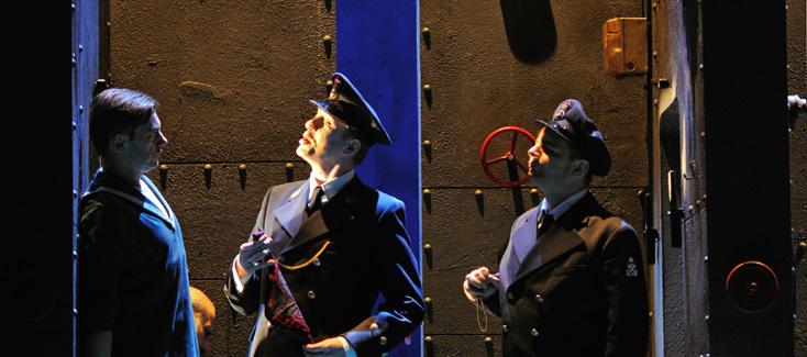 dans un cycle Britten, nous voyons Billy Budd à l'Oper am Rhein de Düsseldorf