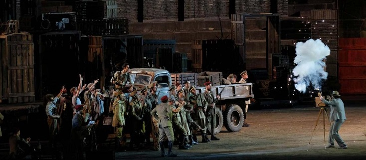 Hugo de Ana met en scène Carmen (Bizet) aux Arènes de Vérone