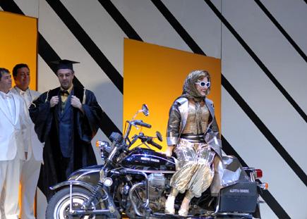 Davide Livermore met en scène La Cenerentola de Rossini à Montpellier