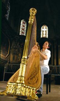 le jeune Emmanuel Ceysson aux Journées de la harpe, Arles 2005