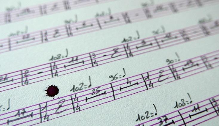une larme d'encre violette survenue lors d'une performance de Colin Roche
