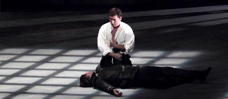 Lawrence Foster joue Don Carlo (1884), l'opéra de Verdi révisé pour Milan