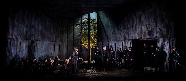 "Jo Davies met en scène ""Don Carlo"" de Verdi au festival Grange Park Opera 2019"