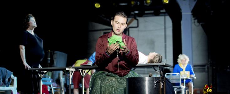 en création mondiale à Francfort, Der goldene Drache, opéra de Péter Eötvös