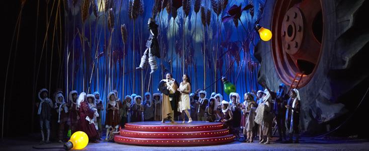 L'elisir d'amore (Donizetti) à Lausanne, mis en scène par Adriano Sinivia