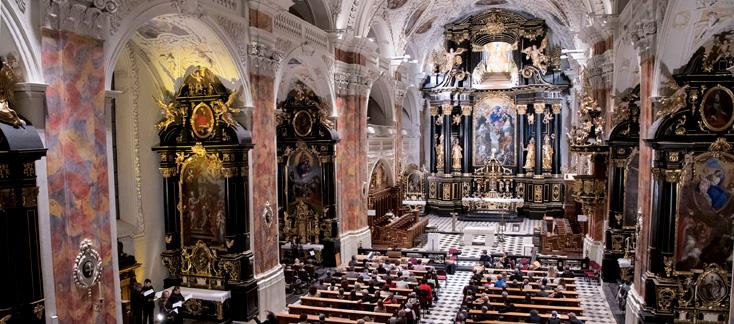 En pleine église abbatiale rococo, le Codex Faenza par Mala Punica