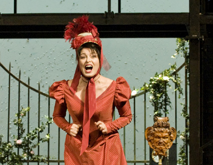 Anna Caterina Antonacci est Alice Ford du Falstaff de Verdi