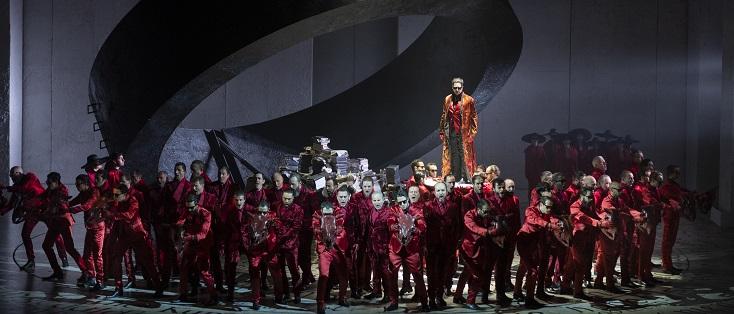 """À Liège, """"Faust"""" de Gounod dans la mise en scène de Stefano Poda"""