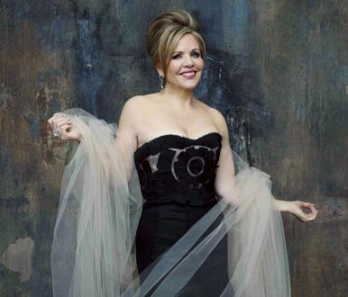 le soprano étasunien Renée Fleming donne un récital au Palais Garnier (2016)