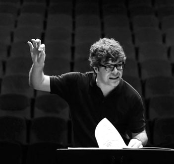 Pablo Heras-casado dirige l'Ensemble intercontemporain à Paris