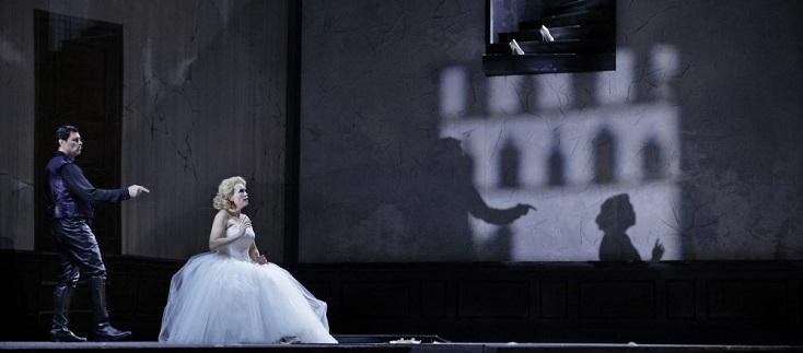 """L'excellent Franco Pomponi est Lindorff des """"Contes d'Hoffmann"""" à Helsinki"""
