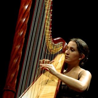 la harpiste russe Varvara Ivanova aux Journées de la harpe en Arles, 2006