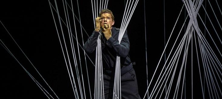 Kober joue Der Kaiser von Atlantis, opéra écrit par Ullmann à Theresienstadt