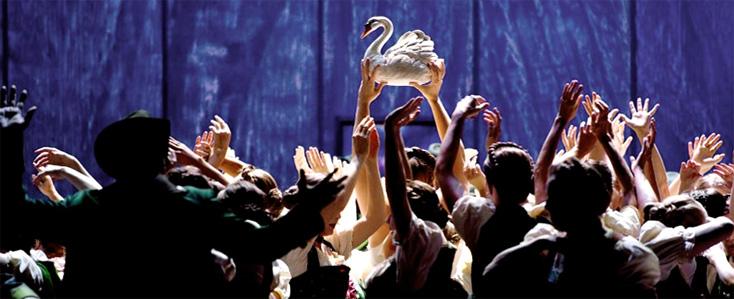 le cygne, dans Lohengrin mis en scène par Andreas Homoki à Zurich