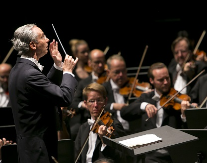"Au Festival de Bregenz, Fabio Luisi joue la ""Messa da requiem"" de Verdi..."