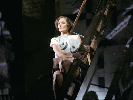 au Metropolitan Opera (New York), Marlis Petersen est la Lulu d'Alban Berg
