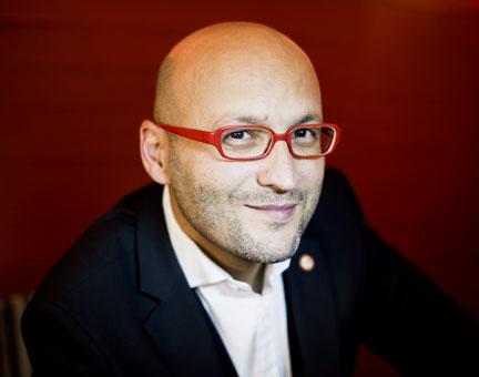 Portrait photographique du chef italien Enrique Mazzola par Éric Garault