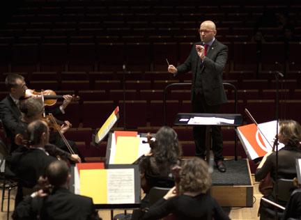 Enrique Mazzola dirige l'Orchestre national d'Île-de-France