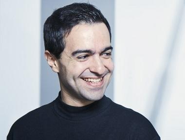 José Menor joue intégrale de l'œuvre pour piano d'Hèctor Parra