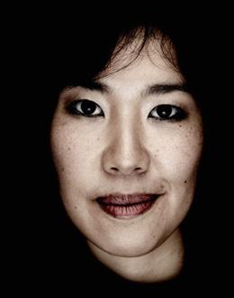 la compositrice Misato Mochizuki photographiée par Benjamin Chelly