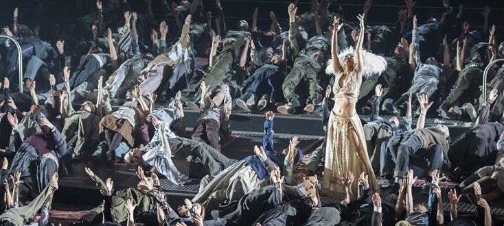 Moses und Aron, opéra d'Arnold Schönberg à Berlin, en avril 2015