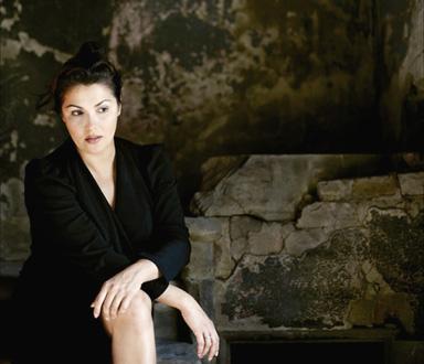 le grand soprano dramatique russe Anna Netrebko chante Iolanta (Tchaïkovski)