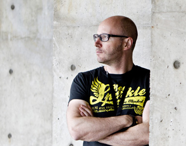 Baldur Brönnimann dirige l'Orchestre Philharmonique de Strasbourg