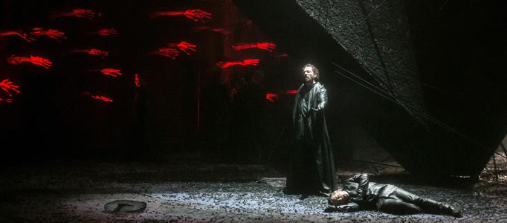Otello (Verdi) vu par Stefano Poda à Budapest, festival Shakespeare400+