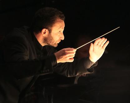 à la tête de son Bayerisches Staatsorchester en tournée, Kirill Petrenko à Paris
