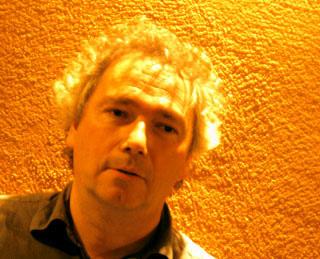 Philippe Leroux photographié et interviewé par le musicologue Bertrand Bolognesi