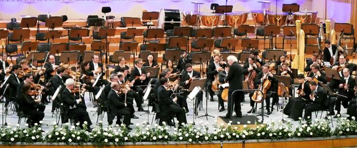 à Bucarest, superbe opus 10 de Britten par Simon Rattle et les Berliner !