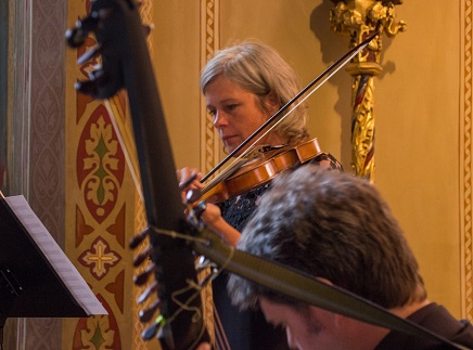 La violoniste Veronika Skuplik et le théorbiste Andras Arend à Innsbruck, 2017