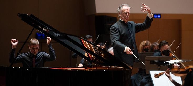 Cédric Tiberghien et Jean-Claude Casadesus dans Mozart et Beethoven