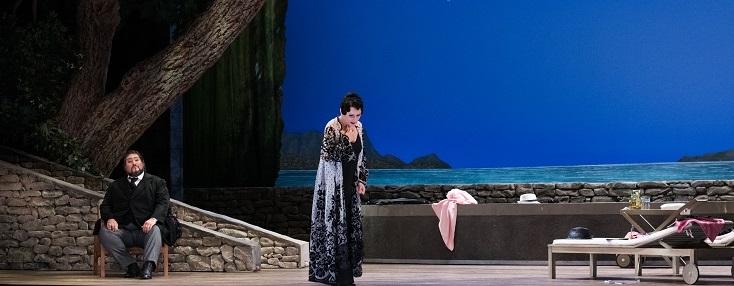 Au Théâtre du Capitole, George Petrou joue La traviata (1853) de Verdi