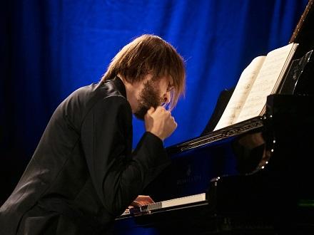 Au Festival de Verbier, le pianiste russe Daniil Trifonov joue nos contemporains