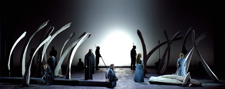 nouveau tristan und Isolde, très stylisé, de Pierre Audi au TCE (Paris)