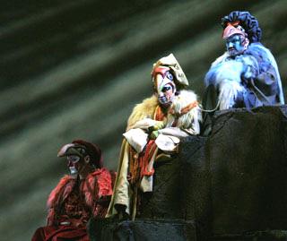 les trois ministres chinois de Turandot, opéra de Puccini, Palais Nikaia de Nice
