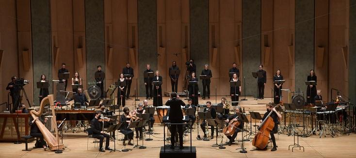Léo Warynski dirige l'Ensemble intercontemporain et Les Métaboles à Paris