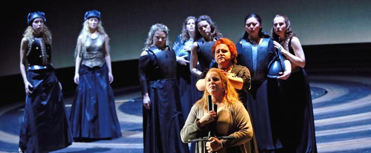 La Walkyrie (Wagner) mise en scène par Vera nemirova à l'Opéra de Francfort